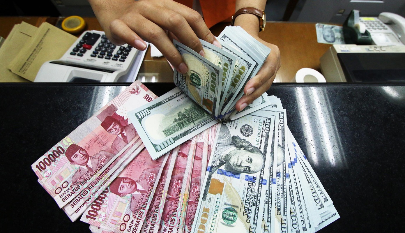 The rupiah weakened amid the worsening of the Covid-19 pandemic