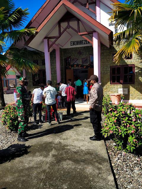 Polri dan TNI Amankan Ibadah Paskah di Maluku Tengah