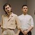 """Após 5 anos, Arctic Monkeys tá de volta com novo álbum, """"Tranquility Base Hotel & Casino"""""""