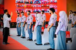 Joko Widodo Tinjau Vaksinasi 3500 Pelajar di Kabupaten Cilacap