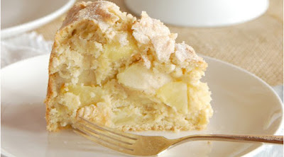 Irish Apple Cake with Custard Sauce - This Authentic irish apple cake with custard sauce is authentic, rich, dense, and delicious! Perfect for St. Patrick's Day or as a way to use up apples in the fall! St patricks day food, Irish recipes authentic, Irish desserts traditional, Irish desserts authentic, Irish recipes traditional, Irish food recipes #dessert #cake #irish #apples #food #stpatricksday #irishdessert #authentic