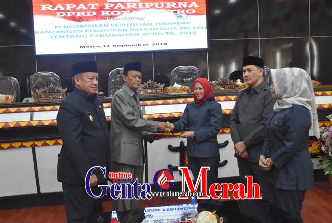 DPRD-Pemkot Mero Sahkan Raperda APBD 2017 Jadi Perda