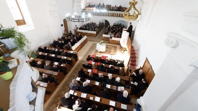 Vidéken kinyithatják a református templomokat