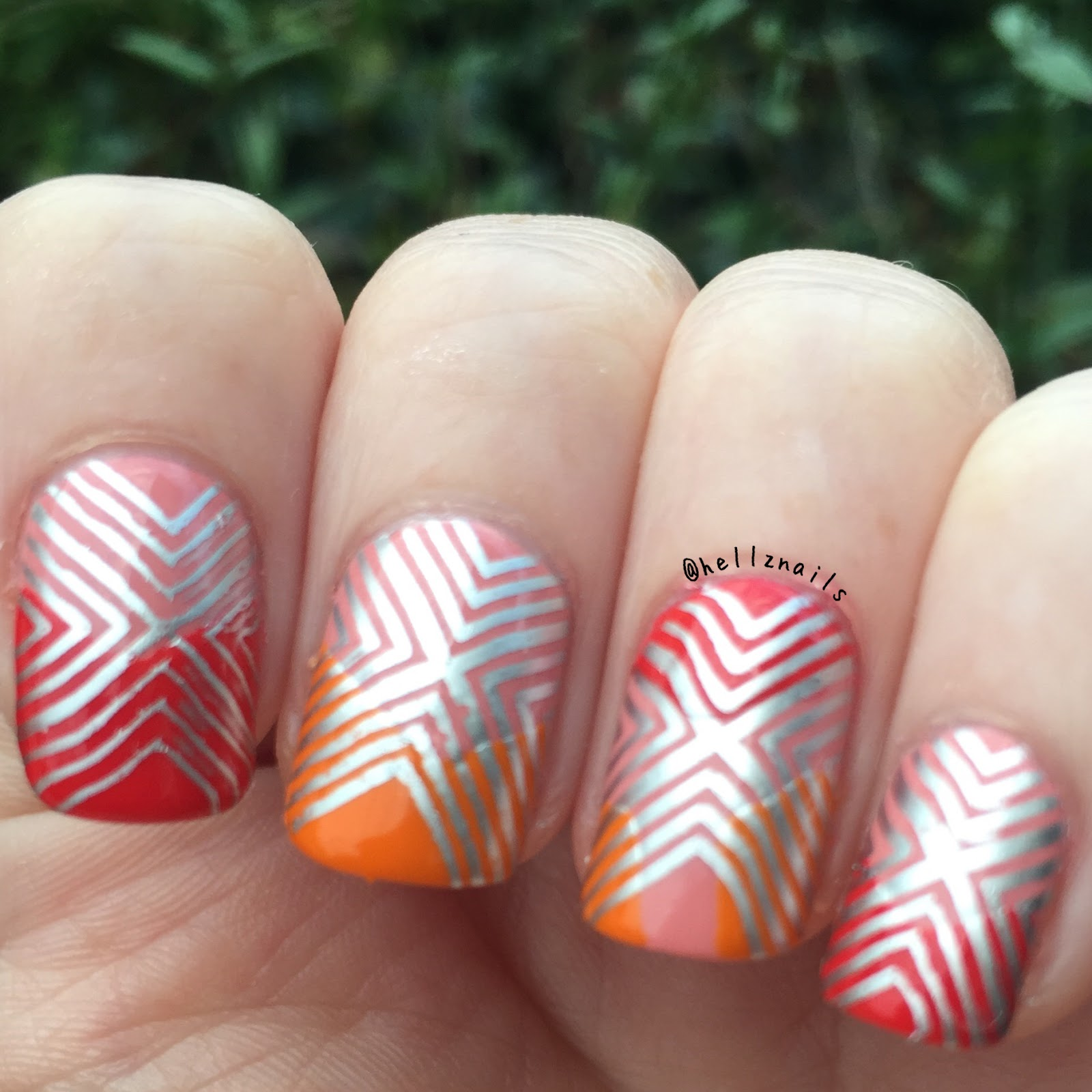 Geometric nail art 31 day nail challenge day 16 hellz nails geometric nail art 31 day nail challenge itsy bohemian gypsy no fear prinsesfo Images
