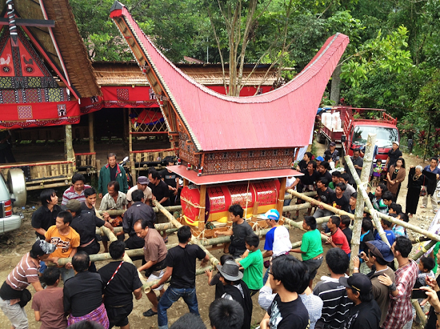 Tradisi Rambu Solo Dari Toraja