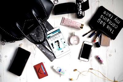 Spotting Knockoff Givenchy Antigona Bags - Andrea Tiffany aglimpseofglam