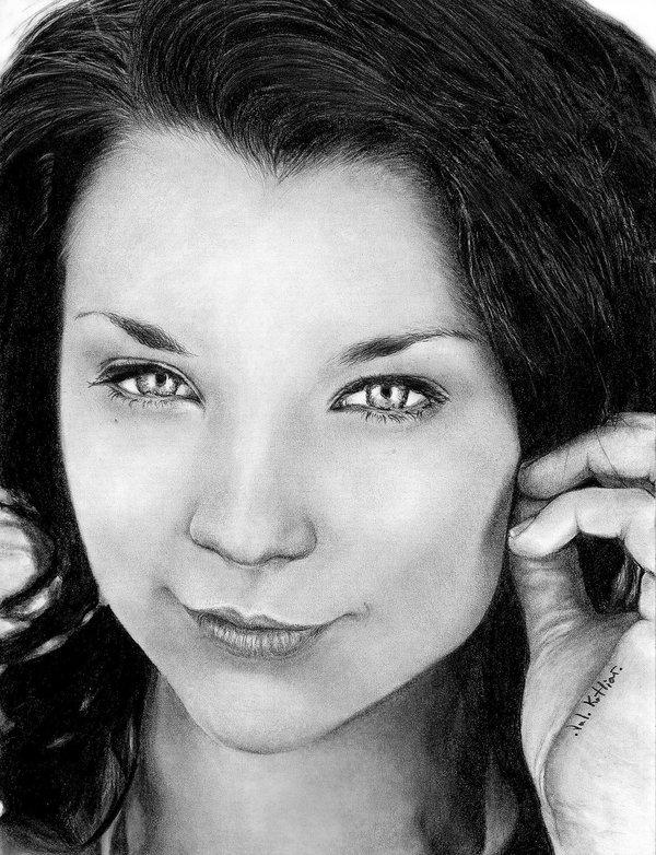 01-Natalie-Dormer-Valerie-Kotliar-Celebrities-and-Unknown-Immortalised-in-Realistic-Drawings-www-designstack-co