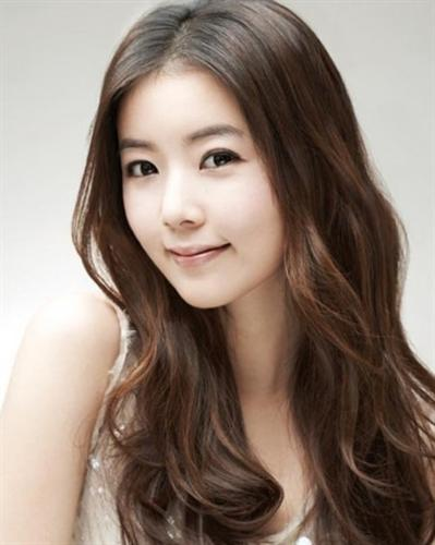 Korean Round Face Hairstyles 4 | Cecomment