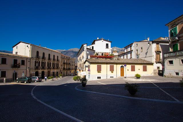 Esterno della Chiesa di Santa Maria della tomba-Sulmona