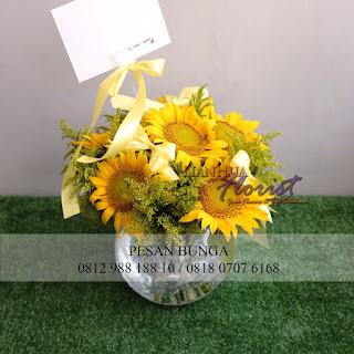 Jual bunga meja elegant, jual bunga meja cantik, jual bunga meja matahari, jual bunga matahari, toko bunga dijakarta, jual bunga murah