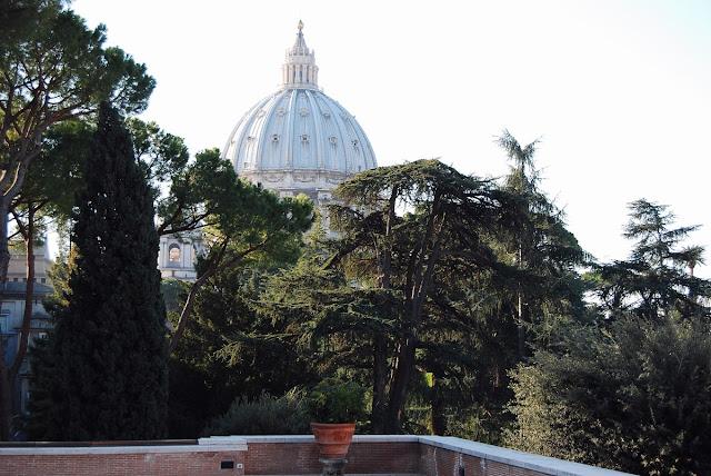 vue, depuis la terrasse des Musées, sur la coupole de Saint-Pierre
