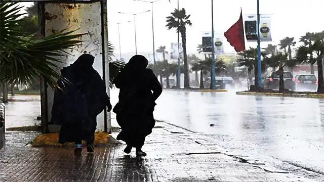 الأحوال الجوية: أمطار رعدية قوية منتظرة بعدد من المناطق المغربية