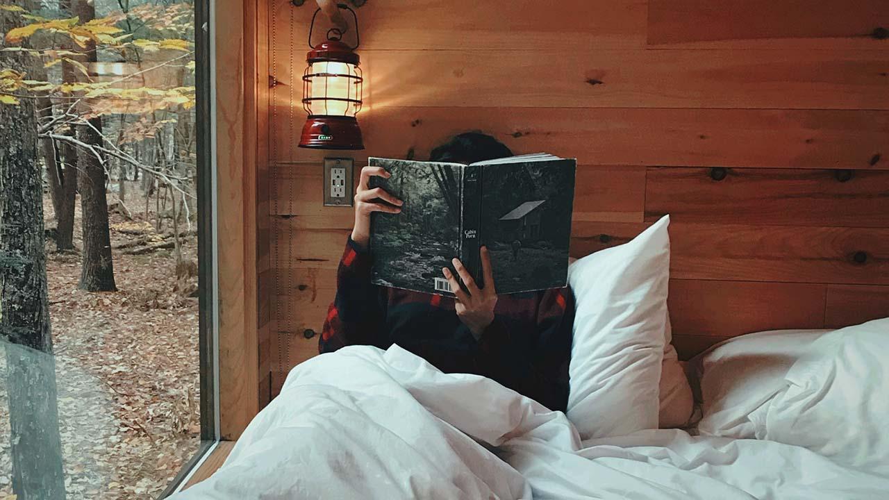 Membaca Buku Pengantar Tidur yang Efektif