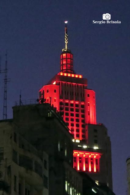 Vista do topo do Edifício Altino Arantes iluminado (Banespão) - Centro - São Paulo