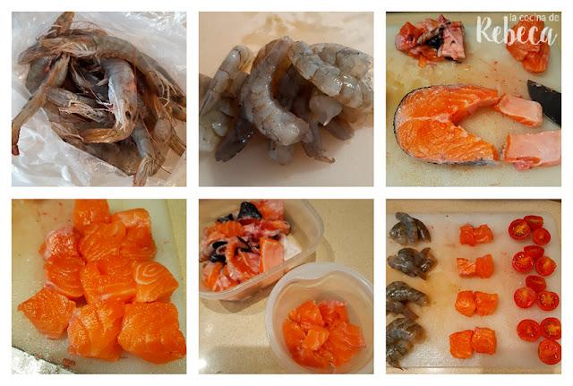 Receta de brochetas de langostinos con salmón: limpieza del pescado y marisco