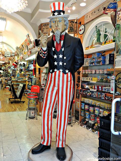 El Tío Sam en una Tienda de Souvenirs de Nueva York