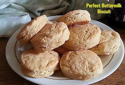 Perfect Buttermilk Biscuit Recipe @ treatntrick.blogspot.com