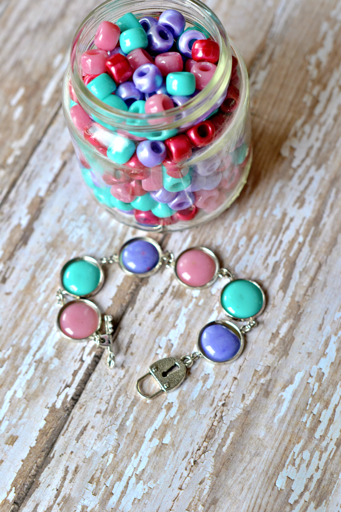 Crafting With Pony Beads
