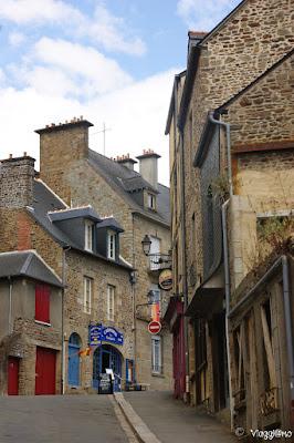 Via per raggiungere la città alta di Fougeres