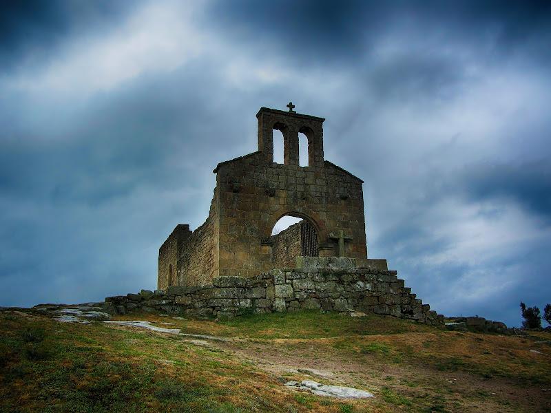 Igreja em Castelo Mendo