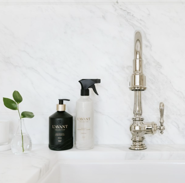 L'AVANT Collective Plant based Hand Soap smells incredible, is so luxuriously bubbly and doesn't leave your hands dry afterward.