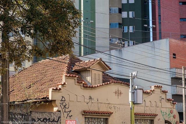 Uma casa na Guarda Mor Lustosa - detalhe da mansarda