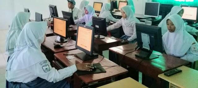 MA PK Informatika Al-Hikmah dari Desa untuk Dunia