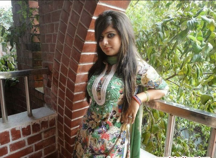 Bangladeshi University Girls Hot Photos - Strata Barhaa-1561