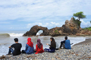 Pantai Karang Bolong Lampung