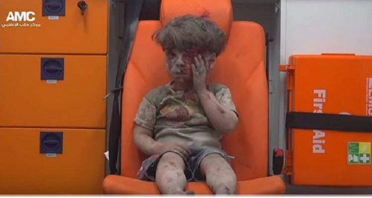 بي بي سي تكشف القصة الحقيقية للطفل السوري عمران الذي هزت صورته العالم