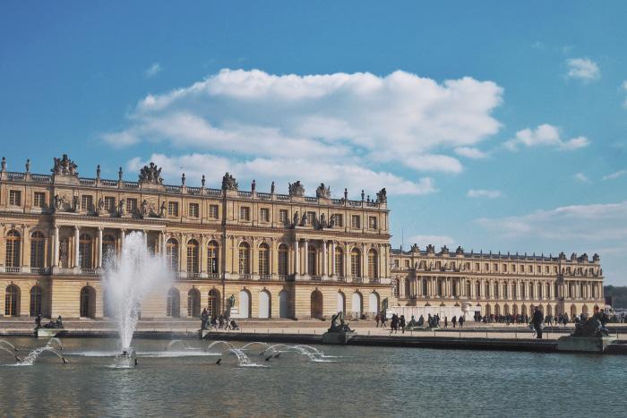 Le château de Versailles depuis les jardins