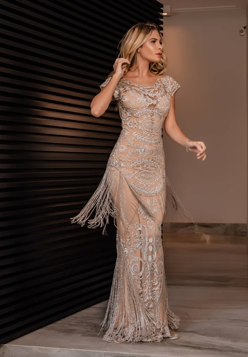 vestido de festa longo bordado nude