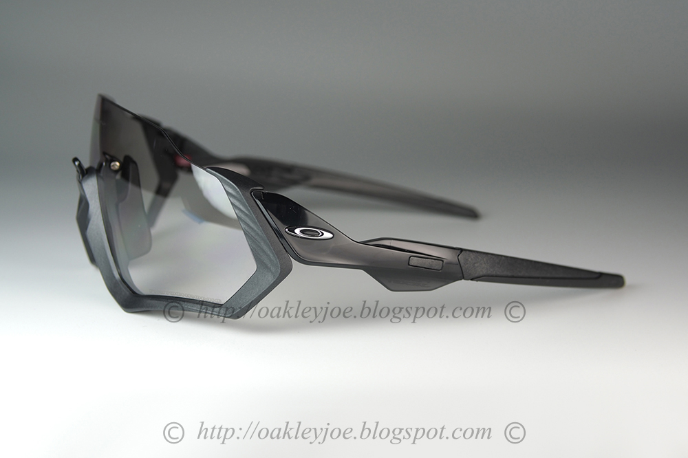 079c8f233e6c6 oo9401-0737 Flight Jacket grey ink + clear black iridium photochromic  325  lens pre coated with Oakley hydrophobic nano solution complete set with  vault
