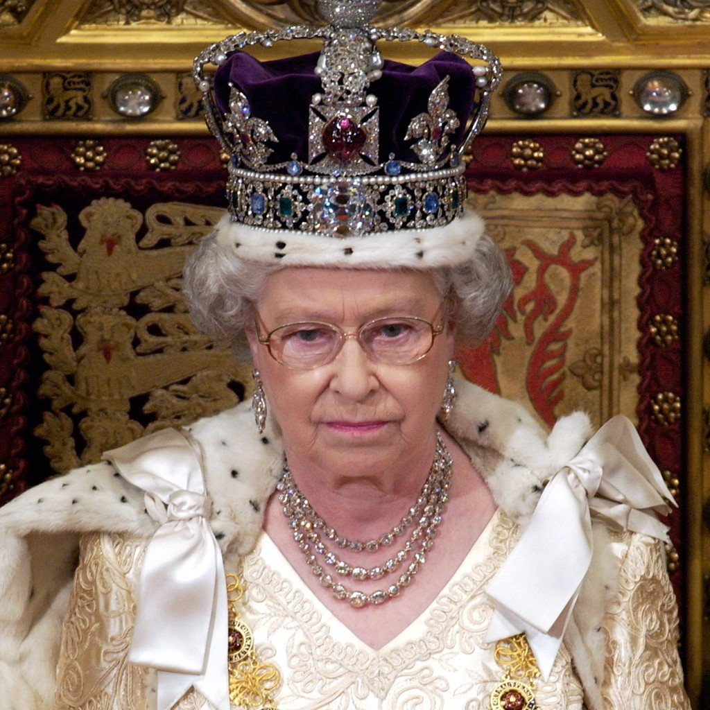 "Hla Oo's Blog: Cursed Burmese Ruby ""Nga-Mouk"" On The ... Queen Elizabeth 1 Crown"