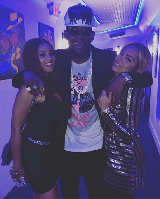 R.Kelly took two of his girlfriends to Snoop Dogg