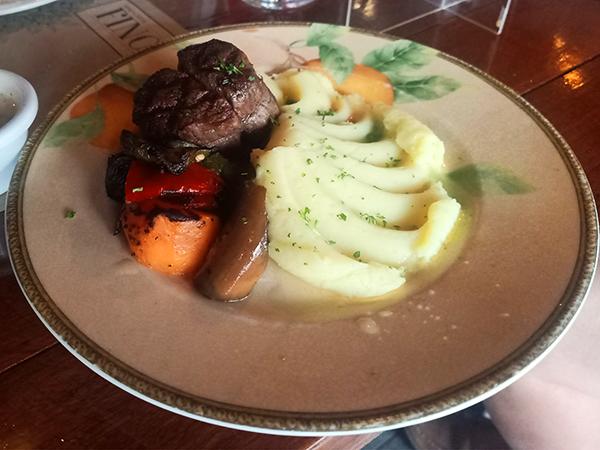 tenderloin steak (Filet Mignon)
