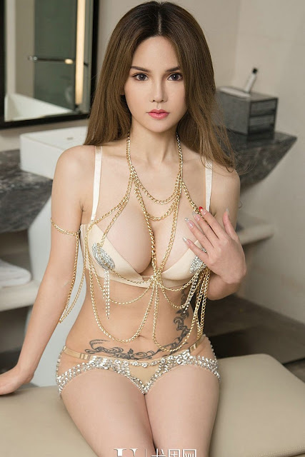 Hot and sexy big boobs photos of beautiful busty asian hottie chick Chinese booty model Lin Ruo Xi photo highlights on Pinays Finest Sexy Nude Photo Collection site.