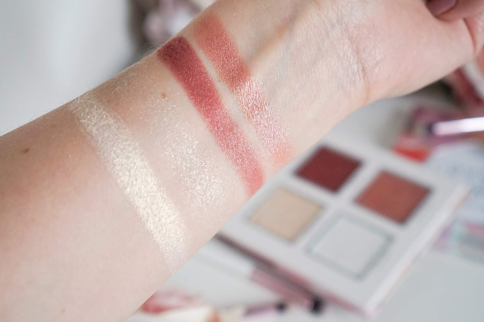 Essence_Crystal_Power_Blush_Highlighter_Swatches