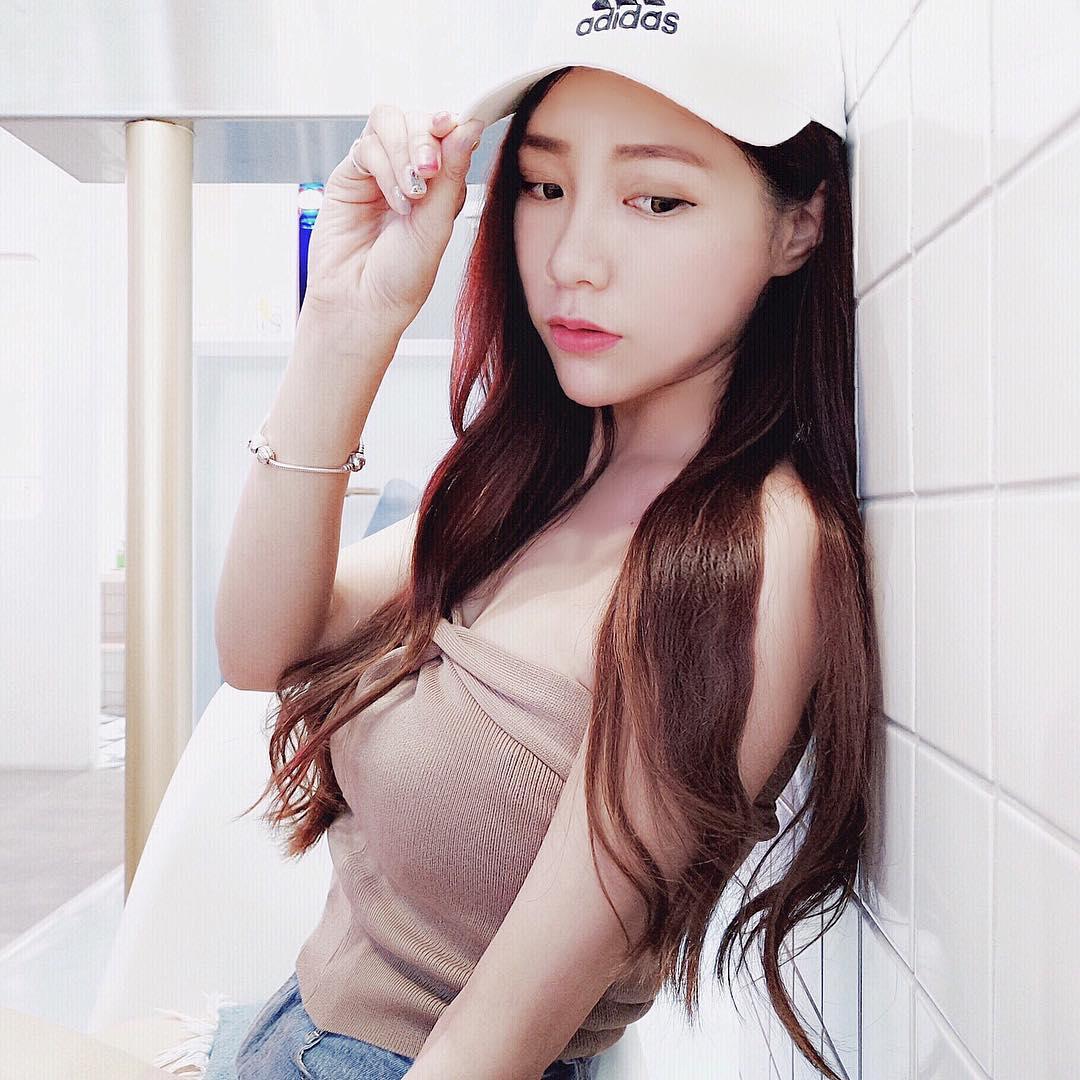 hot girl apeiy0716