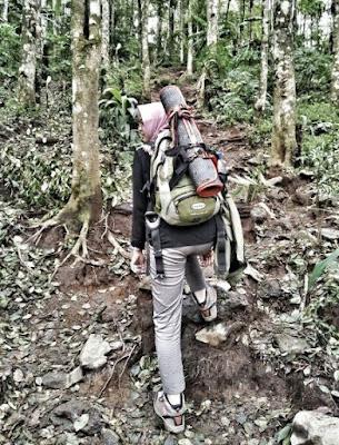 celana canva untuk pendaki