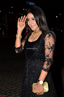 Sakshi Agarwal looks stunning in all black gown at 64th Jio Filmfare Awards South ~  Exclusive 004.JPG