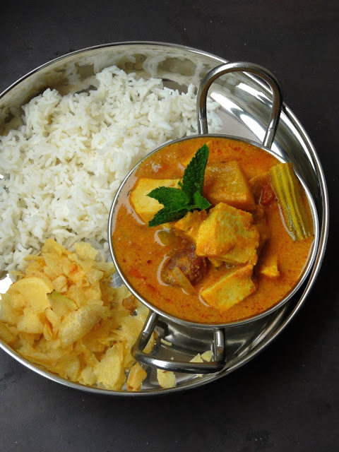 Mutta Kaaikari Kurma, Egg white cubes & vegetable Kurma