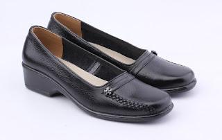 grosir sepatu kerja wanita,gambar sepatu guru wanita,trend sepatu formal wanita 2017,gambar sepatu kerja hak 4cm,model wedges sepatu kerja,koleksi sepatu formal wanita modis