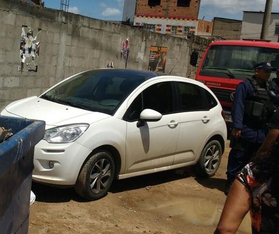 Guarda Municipal de Salvador (BA) recupera veículo roubado no bairro de Valéria