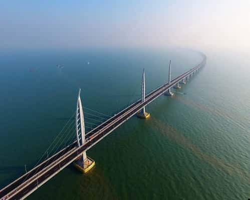 تعرف على أطول جسر عبور بحري في العالم
