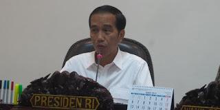 Kebetulan? Pasca Kekalahan Ahok Jokowi Singgung Reshufle di Hadapan MUI