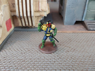 28mm Judge Dredd Miniature by Warlord Games