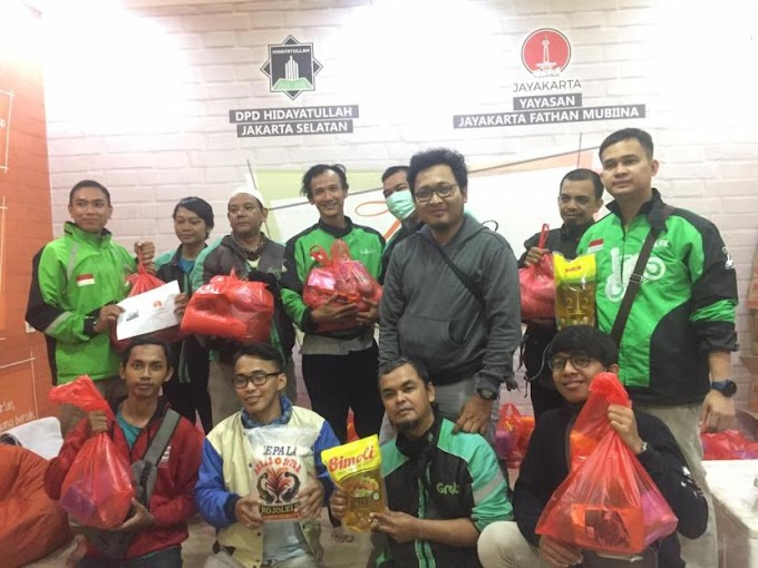 Komunitas Driver Ojol Jakarta Mengaji Dapat Bantuan Sembako