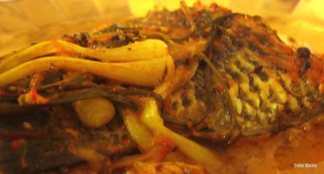 Arsik ikan mas from dapur bou lia / chef mom twins