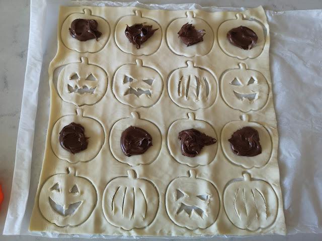 calabaza de hojaldre rellena de chocolate para halloween